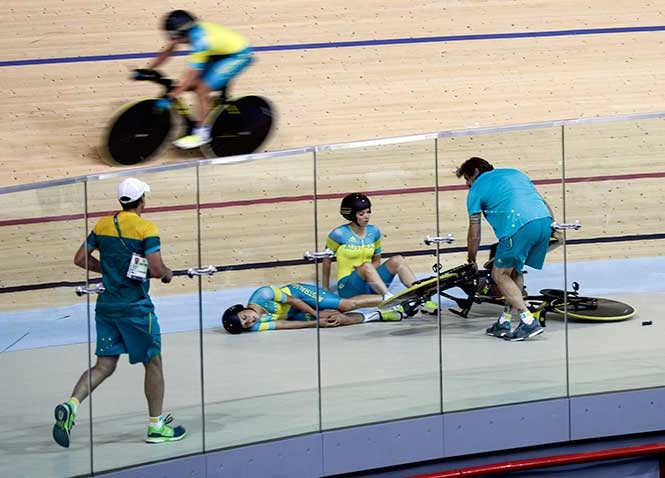Otra Ciclista Que Participa En Los Juegos Olimpicos Acaba En El